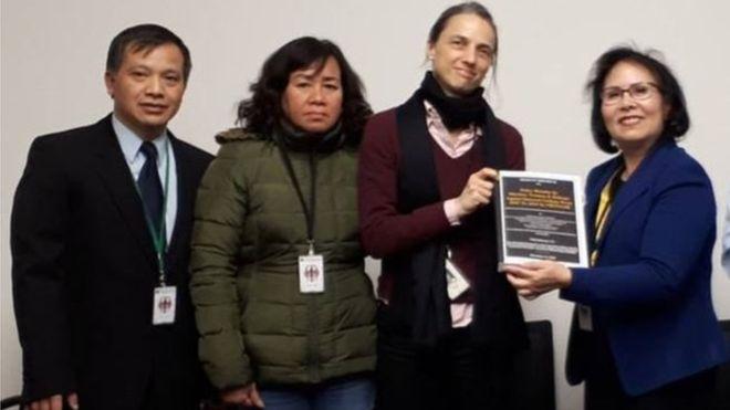 Vợ tù nhân lương tâm Trương Minh Đức bị tịch thu sổ thông hành sau chuyến vận động châu Âu