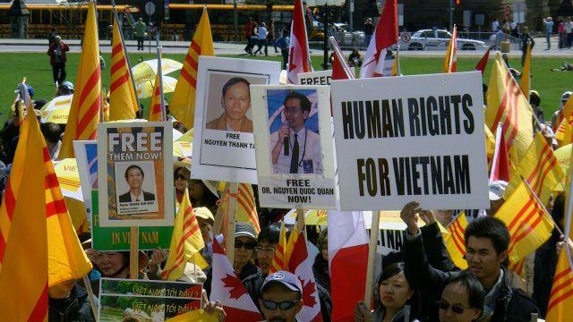 Vấn đề nhân quyền không được đặt ra trong cuộc hội đàm giữa Tổng thống Trump với Nguyễn Phú Trọng