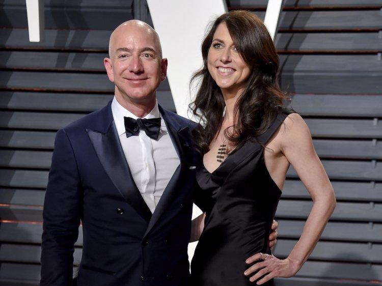 Tỷ phú Jeff Bezos hoàn tất thỏa thuận ly hôn, giữ 75% cổ phần Amazon