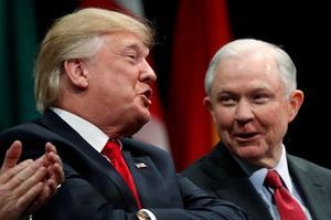 Những nhân vật từng từ chối thực hiện mệnh lệnh của Tổng thống Trump