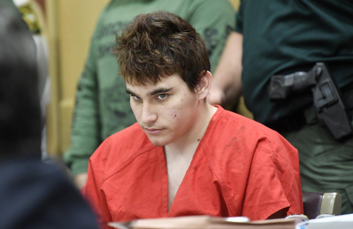 Luật sư biện hộ rút khỏi vụ án hung thủ nổ súng tại trường học ở Parkland, Florida
