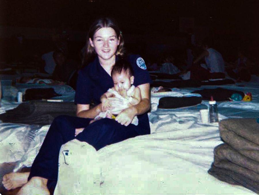 Cư dân tại Căn cứ Không quân Clark nhớ lại chuyến bay chở trẻ em mồ côi rời Việt Nam 44 năm trước