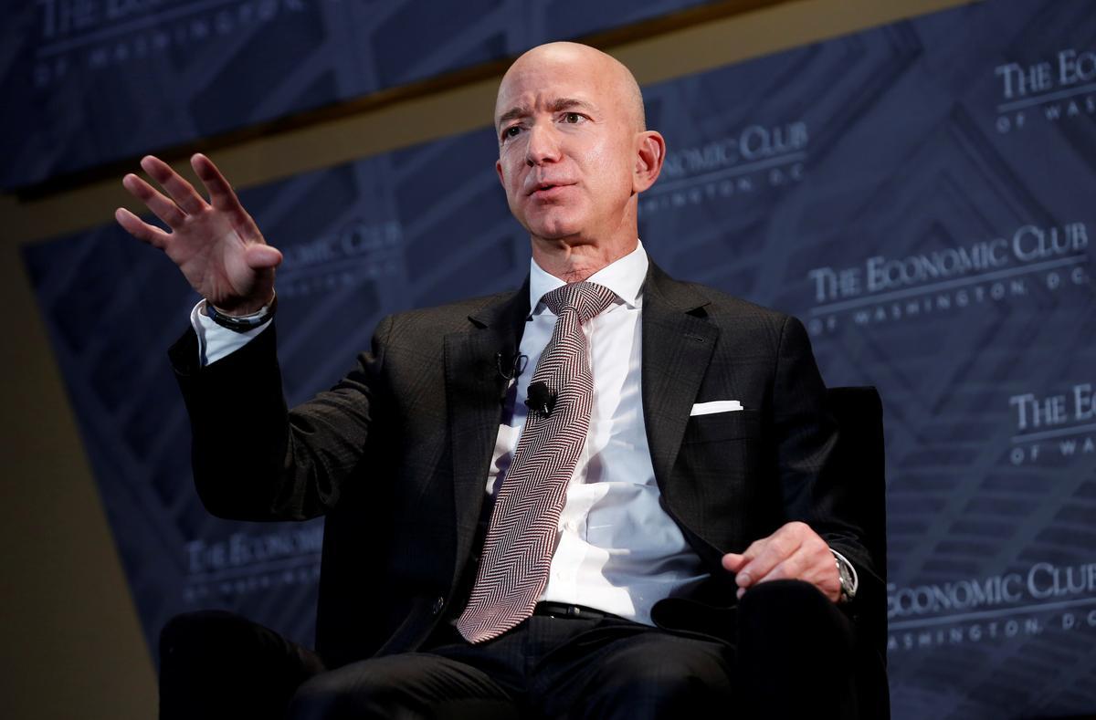 Tờ National Enquirer khẳng định anh của bạn gái ông Jeff Bezos là nguồn tiết lộ duy nhất