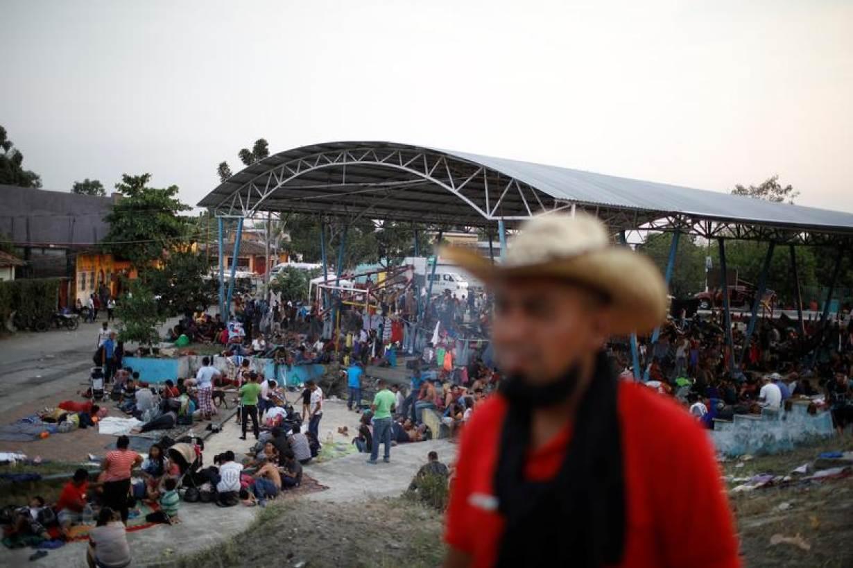 Các trại di dân đầy người khi Mexico cứng rắn sau lời đe dọa của Tổng thống Trump