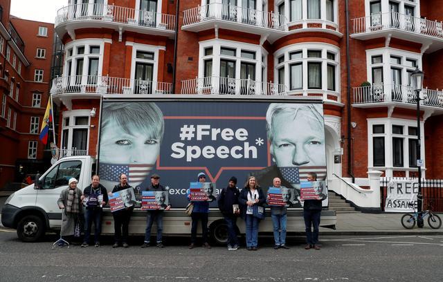 Ông Julian Assange chuẩn bị cho việc bị trục xuất khỏi tòa đại sứ Ecuador ở London