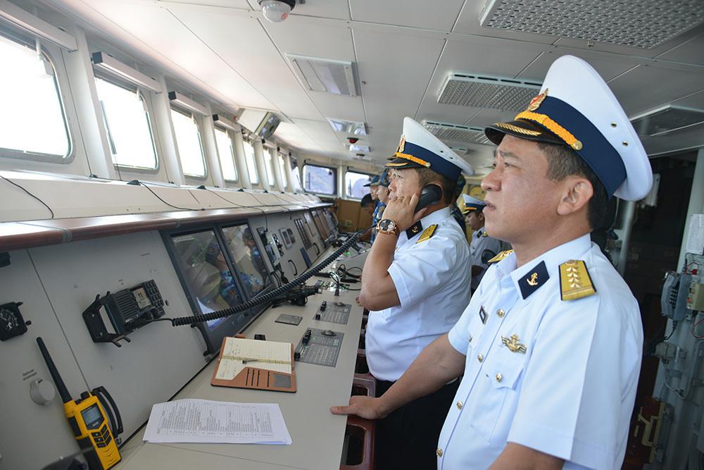 2 tàu hộ tống CSVN dự lễ 70 năm thành lập hải quân Trung Cộng