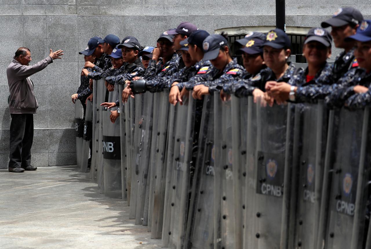 Tối cao Pháp viện Venezuela tiếp tục đưa ra cáo buộc phản quốc đối với các nhà lập pháp đối lập