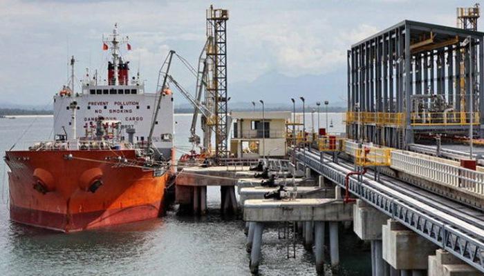 Việt Nam xuất cảng dầu thô sang Trung Cộng tăng mạnh về số lượng nhưng giá giảm