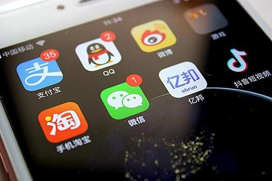 Huawei im lặng khiến nhiều cửa hàng bán lẻ điện thoại lúng túng