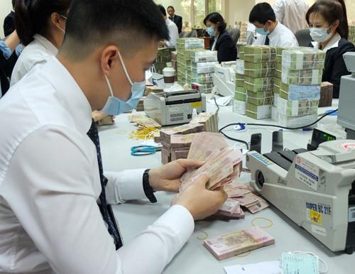 Hàng ngàn nhân viên ngân hàng lớn ở Việt Nam bỏ việc