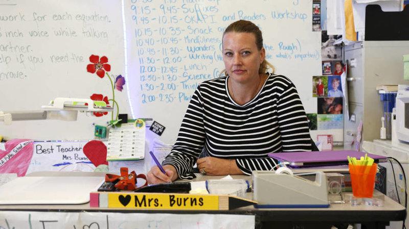 Giáo viên California phải tự trả tiền cho người dạy thế trong thời gian nghỉ bệnh