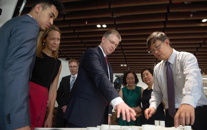Tòa Đại Sứ Mỹ khuyến khích công ty Việt Nam đầu từ sang Mỹ