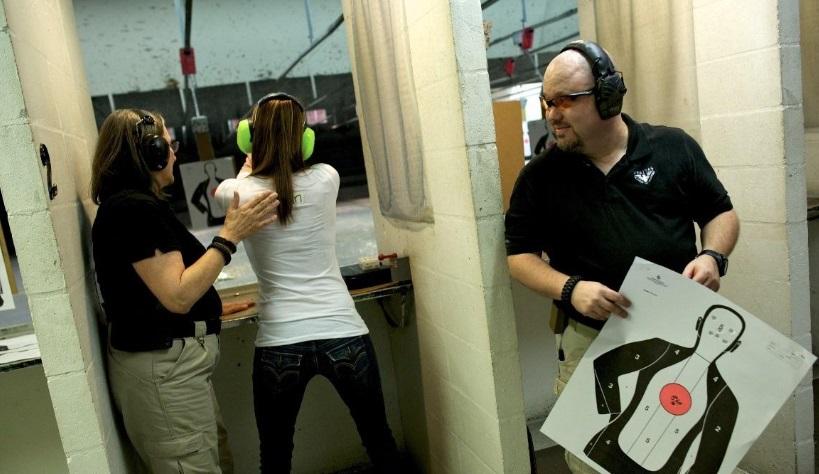 Theo dự luật mới về súng, giáo viên Florida được phép mang vũ khí vào lớp học