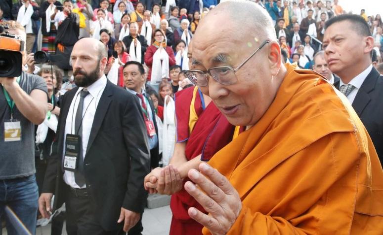 Đại Sứ Hoa Kỳ kêu gọi Trung CỘng đối thoại với Đức Dalai Lama