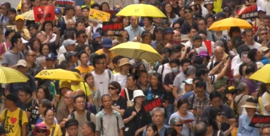 Một du học sinh Hong Kong ở Mỹ không chấp nhận mình là người Trung Cộng