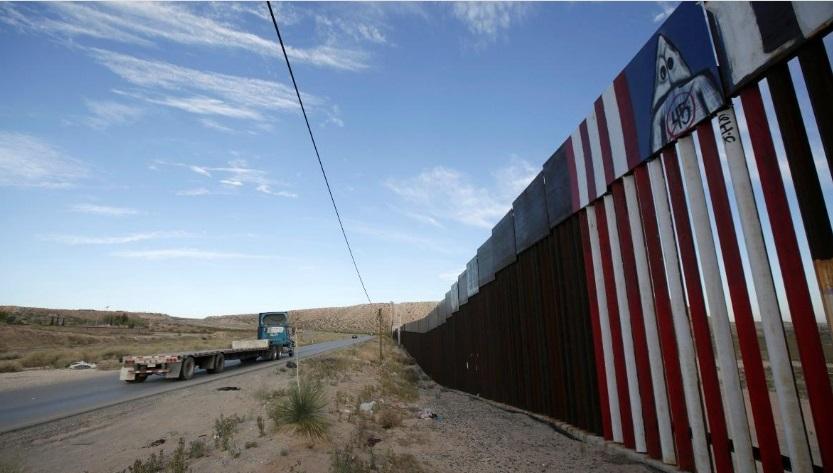 Một quan tòa ngăn chặn chính phủ sử dụng ngân sách quốc phòng để xây tường biên giới