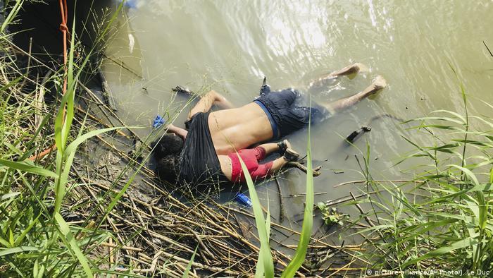 Bức ảnh chấn động về cái chết của hai cha con di dân El Salvador