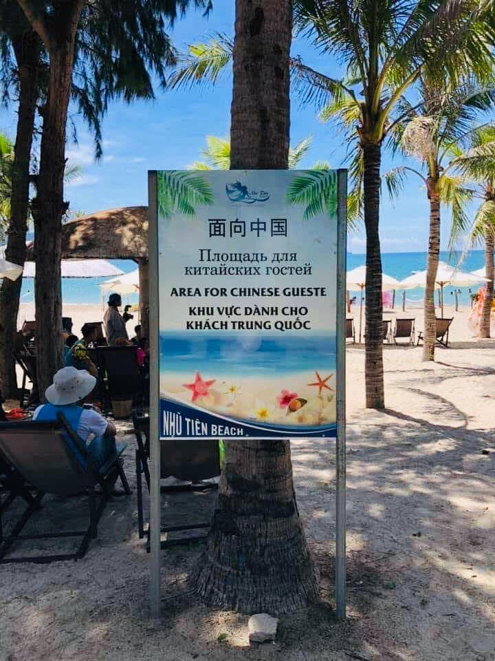 Chủ khu nghỉ mát ở Nha Trang đặt biển báo chỉ phục vụ người Trung Cộng