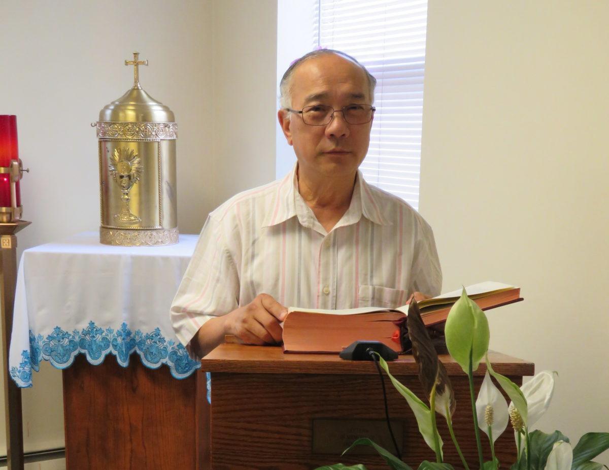 Người đàn ông phục vụ cộng đồng người Việt Công Giáo tại thành phố Nam Philadelphia