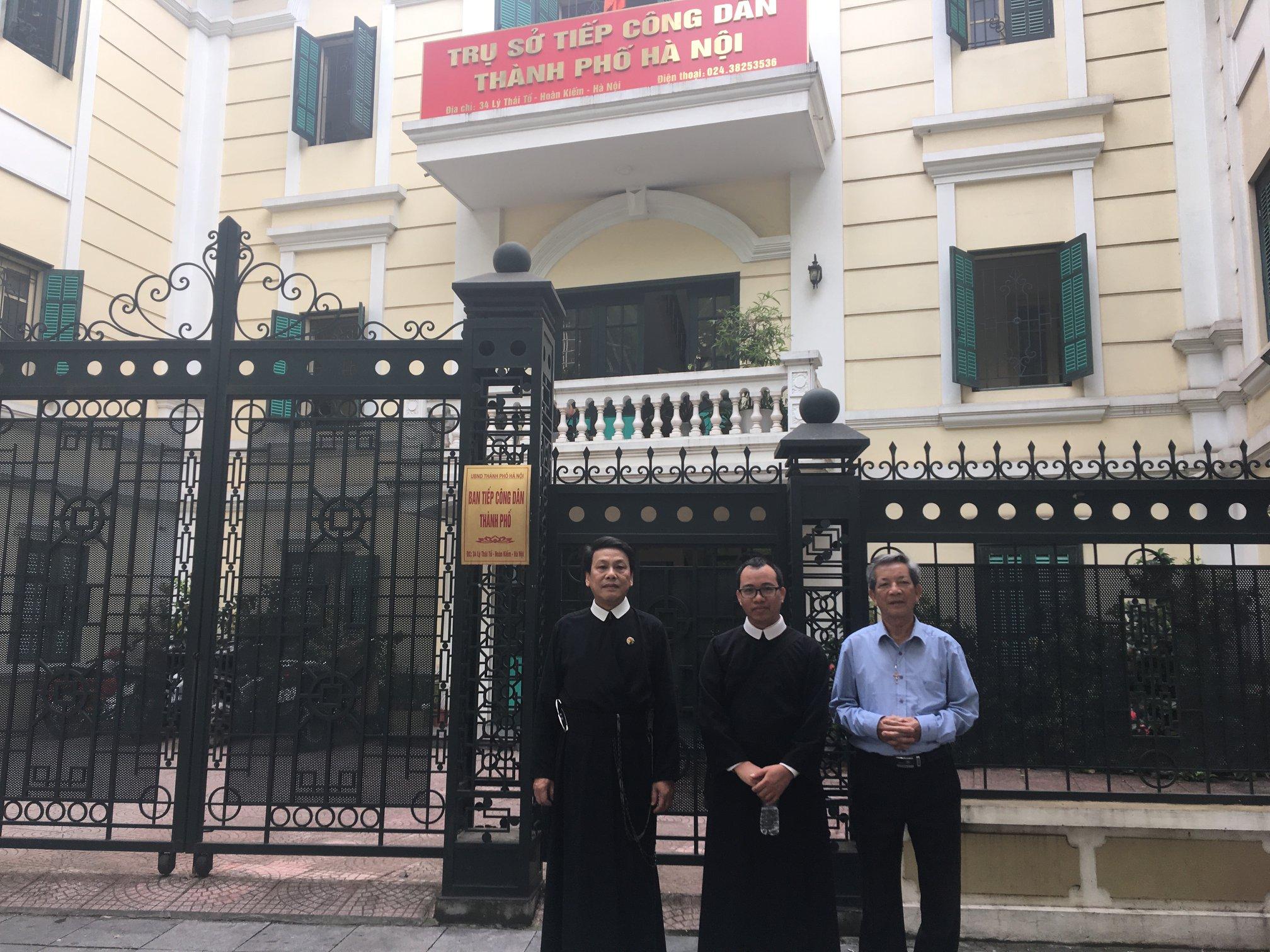 Dòng Chúa Cứu Thế Thái Hà kiện dự án nhà nước định xây trên đất nhà thờ