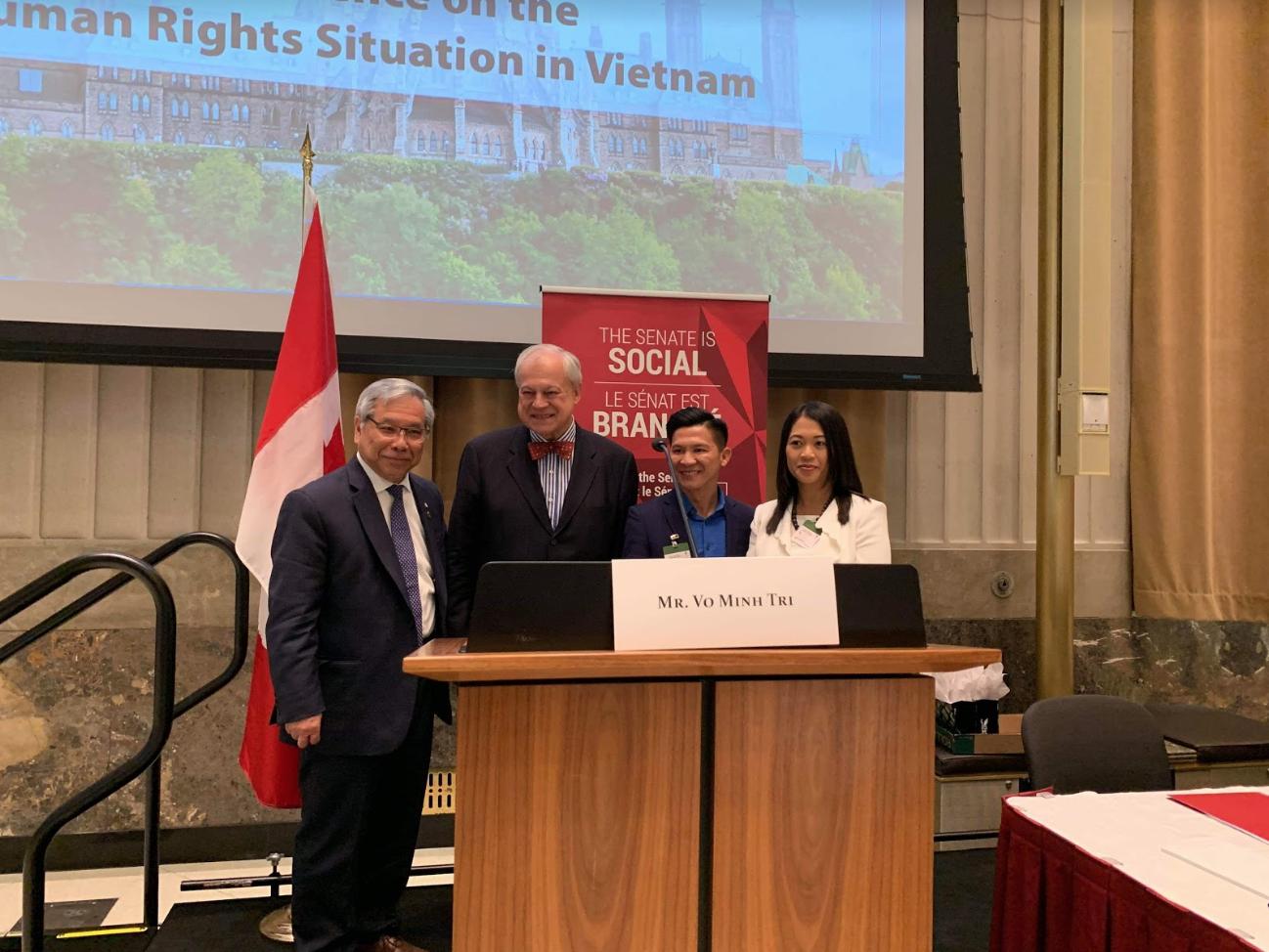 Nhạc sĩ Việt Khang dự hội nghị nhân quyền Việt Nam tại Ottawa, Canada