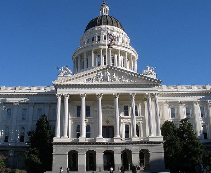 Hạ Viện California thông qua dự luật hỗ trợ người nghèo bằng đánh thuế cơ sở thương mại