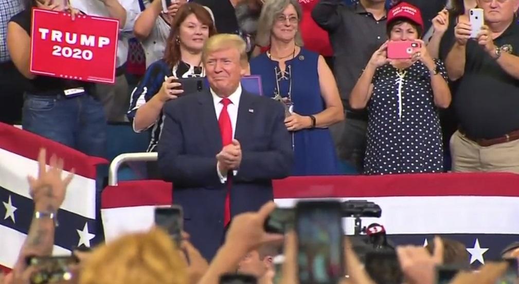 Tổng thống Donald Trump chính thức tái tranh cử