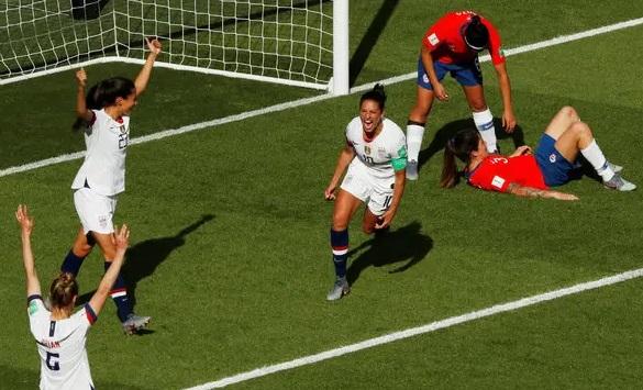 Đội nữ túc cầu Mỹ thắng Chile với tỷ số 3-0