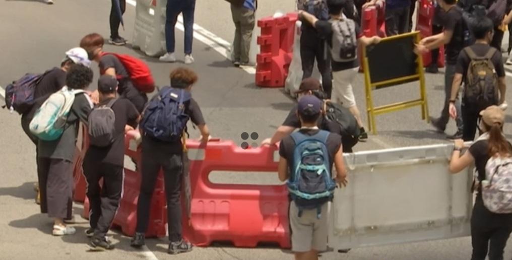 Cuộc biểu tình bất bạo động Hồng Kong có gần 30% dân số tham dự