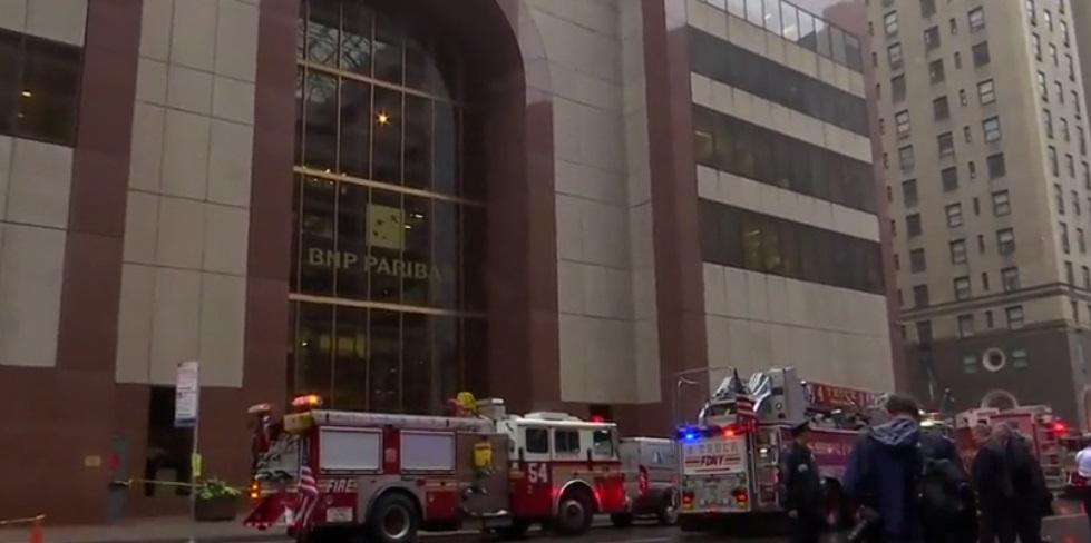 Trực thăng rơi trên nóc tòa nhà ở New York, một người thiệt mạng