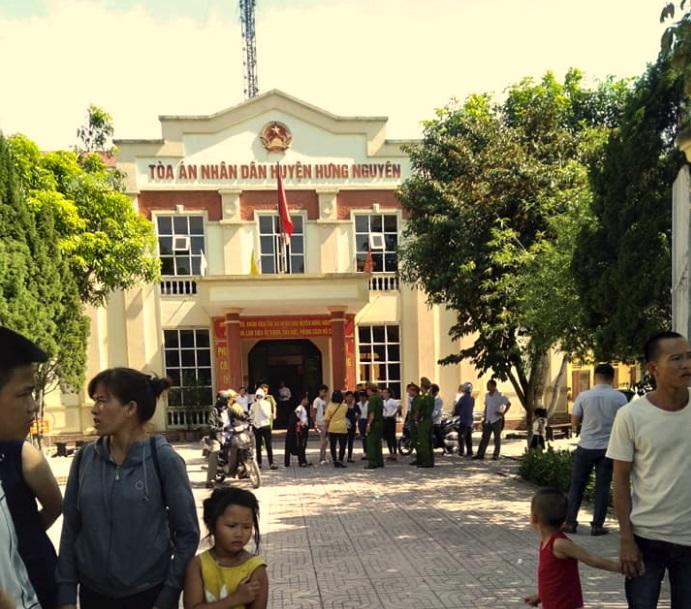 Tài xế chống BOT bẩn Nguyễn Quang Tuy bị kết án 2 năm tù giam
