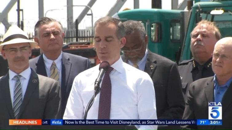 Los Angeles chuẩn bị kế hoạch phế truất thị trưởng Eric Garcetti