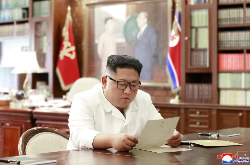Tổng thống Trump gởi thư cho chủ tịch Bắc Hàn Kim Jong Un