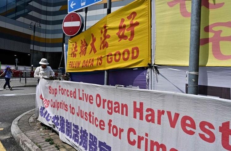 Tòa án quốc tế: Trung Cộng mổ lấy nội tạng của nhiều người tù Pháp Luân Công
