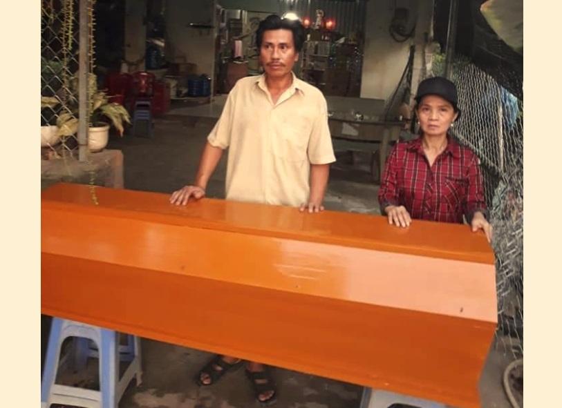 Người dân xã Long Hưng Đồng Nai trưng hòm để quyết tử với quân cướp đất