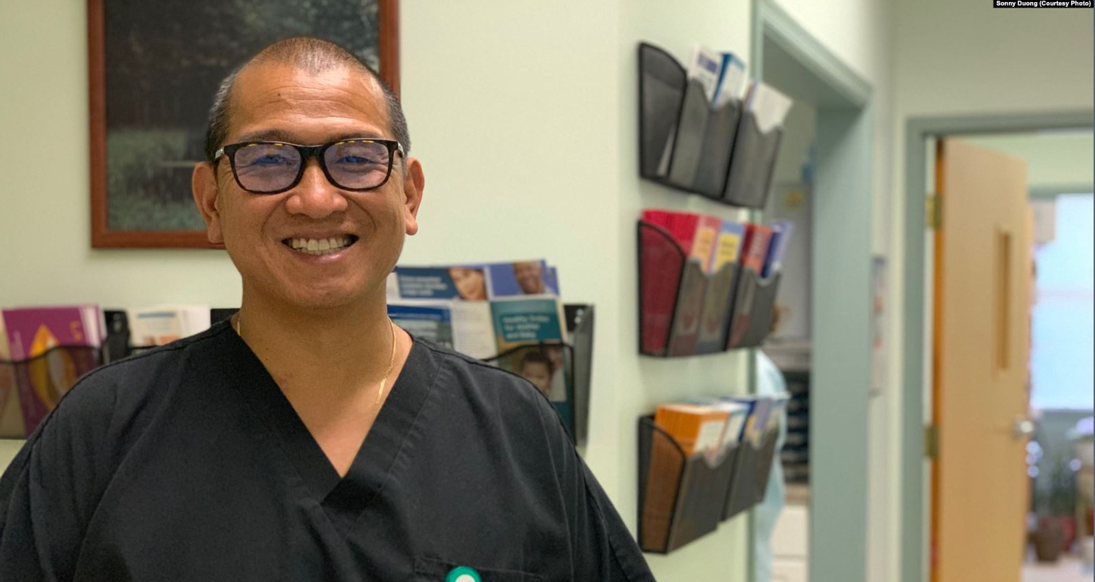 Một người tị nạn Việt Nam vượt qua quá khứ khó khăn để trở thành nha sĩ