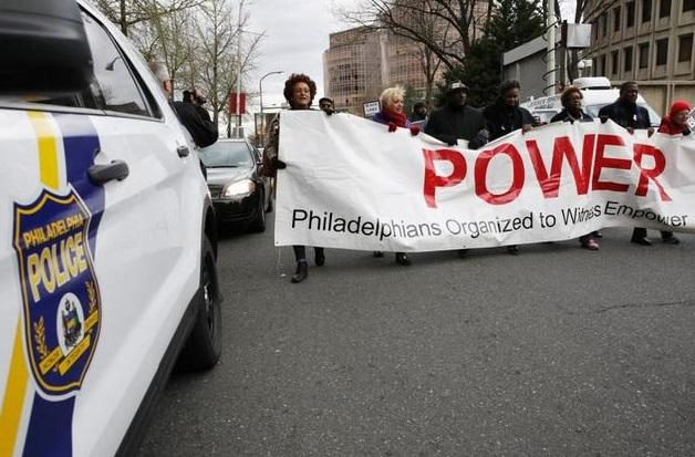 13 cảnh sát Philadelphia bị sa thải vì đăng bài viết kỳ thị sắc tộc trên Facebook