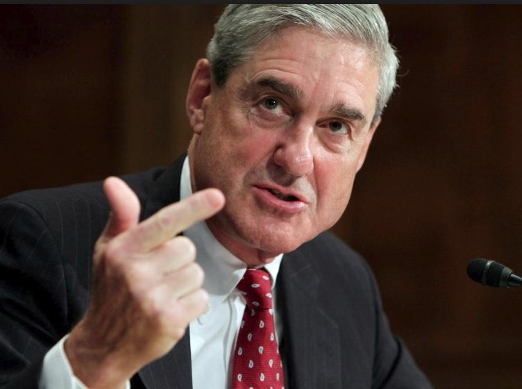 Cố vấn đặc biệt Robert Mueller và phụ tá cùng tham gia điều trần