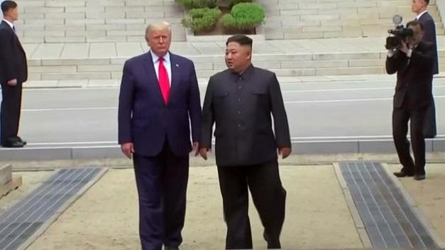 Tổng thống Trump đã gởi thư sắp xếp trước cuộc gặp với Kim Jong Un tại Bàn Môn Điếm