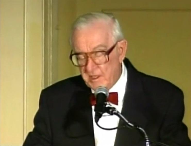 Cựu Thẩm Phán Tối Cao Pháp Viện John Paul Stevens qua đời ở tuổi 99