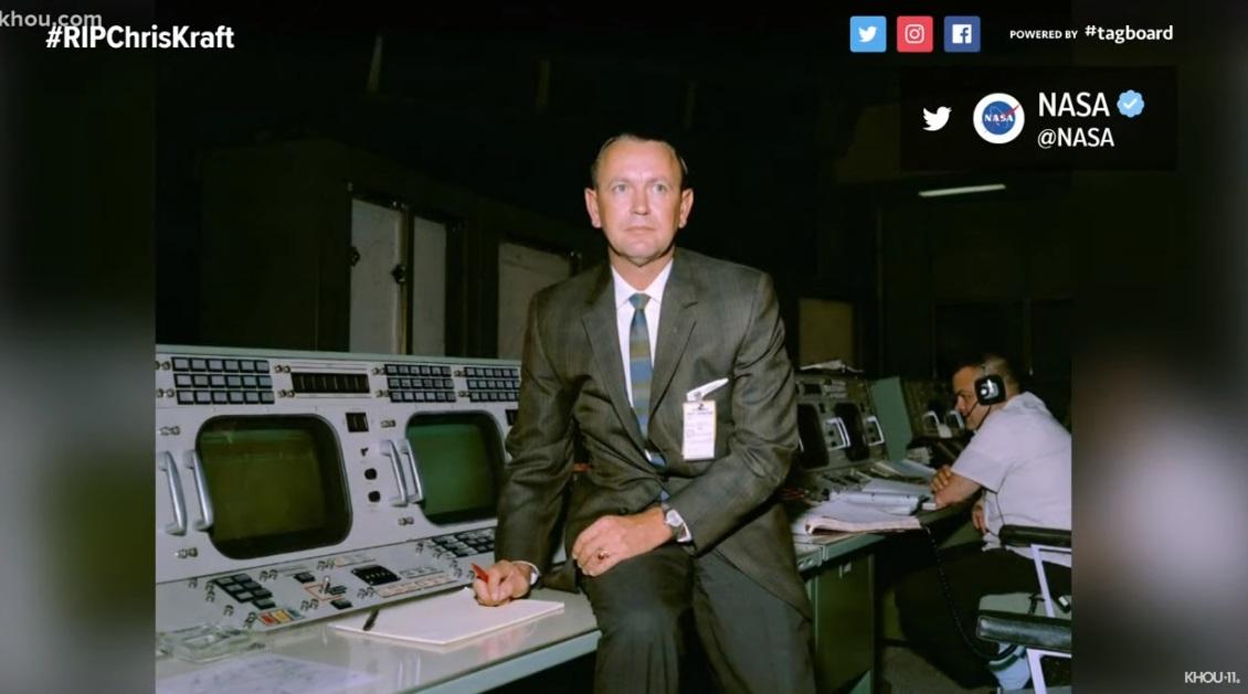 Cựu giám đốc phòng điều hành phi vụ NASA Chris Kraft qua đời