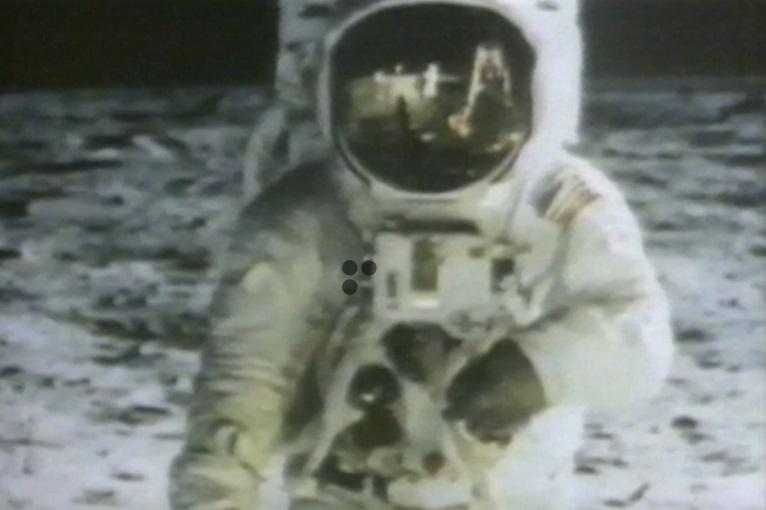 Sử gia thảo luận tác động của chuyến du hành mặt trăng phi thuyền Apollo 11