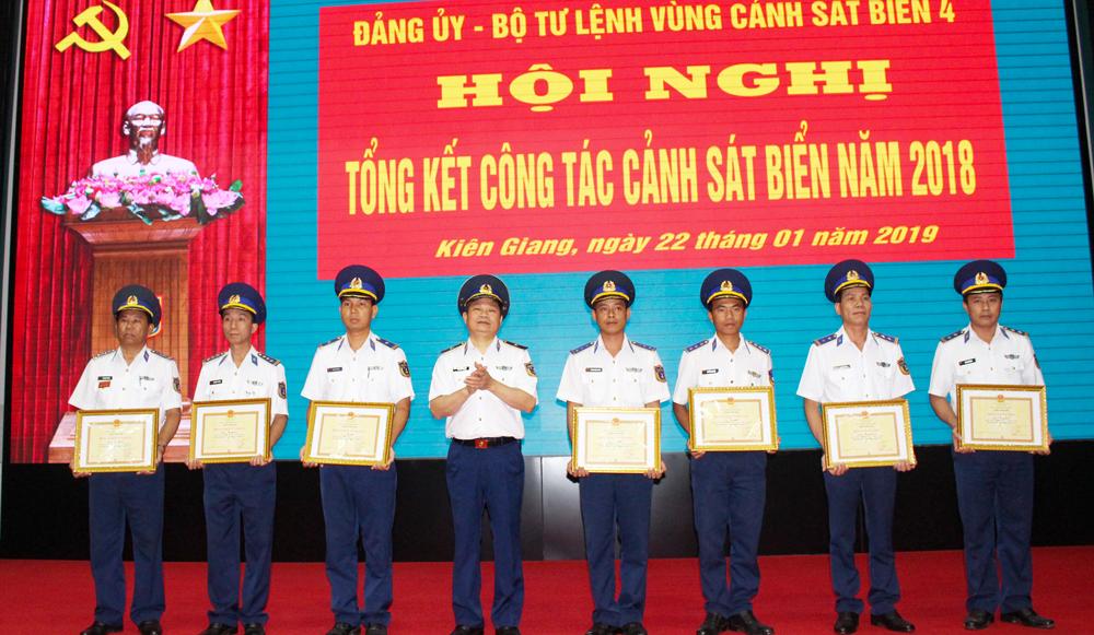 Cảnh sát biển Việt Nam mới được quyền truy đuổi tàu xâm phạm lãnh hải từ 1 tháng 7