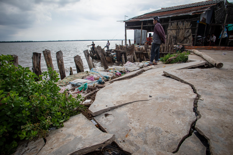 """Ngư dân đồng bằng Sông Cửu Long quay cuồng trong cơn khát vì """"bạn vàng, bốn tốt"""" của Đảng chặn dòng Mekong"""