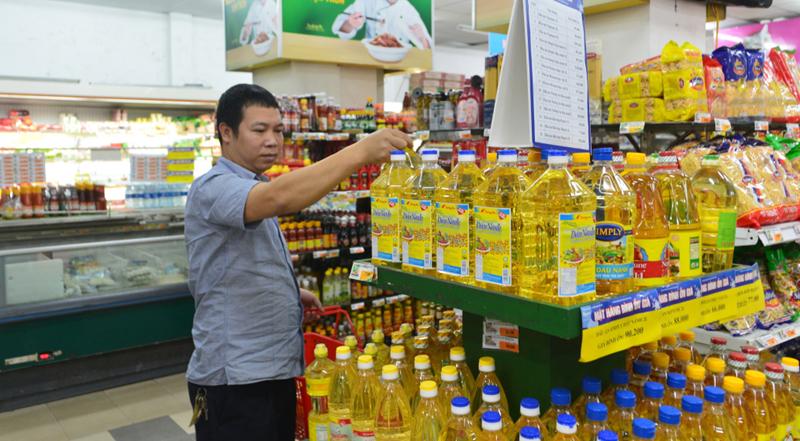 Hàng Việt vừa kém chất lượng, vừa xấu, vừa lỗi thời thua ngay trên sân nhà
