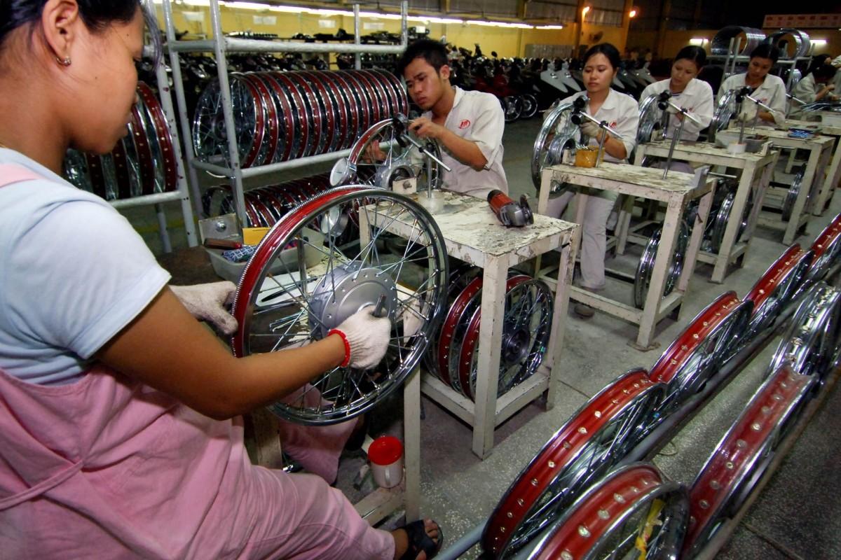 Các hãng sản xuất Trung Cộng rời Việt Nam do môi trường kinh doanh không hiệu quả