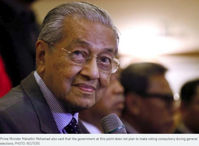 Malaysia phê chuẩn dự luật hạ tuổi bầu cử từ 21 xuống 18 tuổi