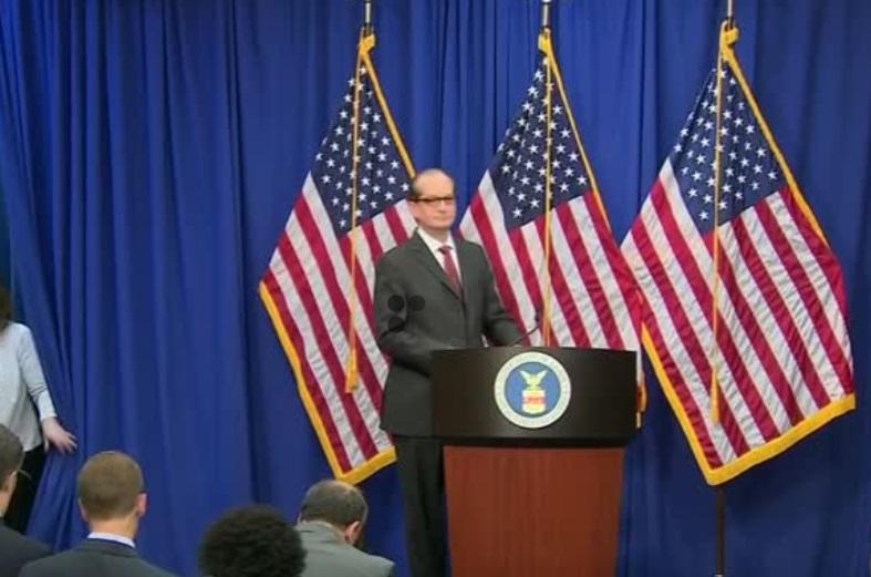 Bộ Trưởng Lao Động Acosta bảo vệ quyết định trong vụ án tỷ phú Jeffrey Epstein