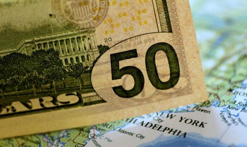 Thâm hụt ngân sách Hoa Kỳ lên tới 747 tỷ mỹ kim trong 9 tháng do sắc lệnh giảm thuế