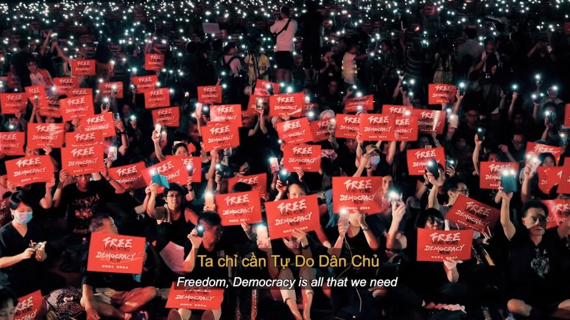 Người Hong Kong cảm ơn nhạc sĩ Trúc Hồ & người Việt vì bài hát Sea of Black